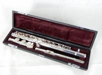 YAMAHA ヤマハ フルート YFL-212 ケース付き 音楽 楽器 吹奏楽 管楽器 演奏