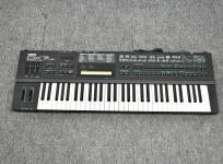 YAMAHA DX7-II DX7-2 ヤマハ FM音源 シンセサイザー キーボード 鍵盤楽器 ハードケース付き