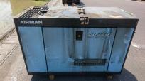 愛知県 一宮市 北越工業 AIRMAN エンジン 発電機 SDG25S-3B1 3335h ディーゼル ジェネレーター 工具