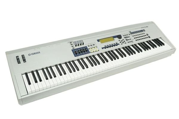 YAMAHA ヤマハ MO8 シンセサイザー 88鍵